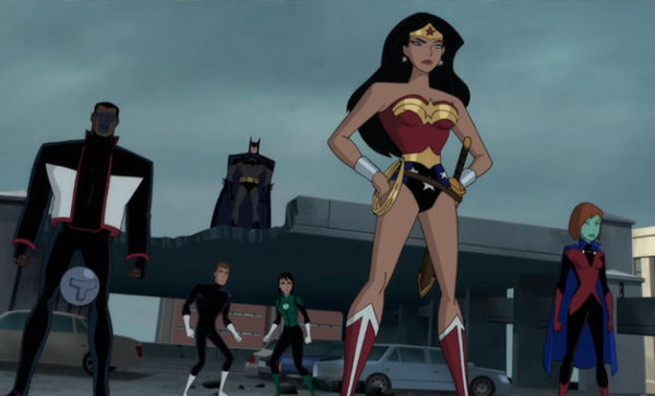 Justice_League_vs_Fatal_Five_DC_Comics-600x363