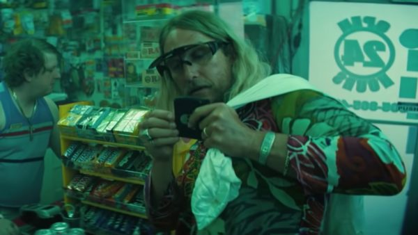 matthew-mcconaughey-gets-wild-and-crazy-in-the-red-band-trailer-for-harmony-korines-the-beach-bum-social-600x338