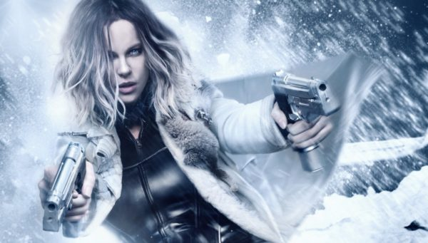 underworld-blood-wars-kate-beckinsale-guns-coat-snow-fur-600x341