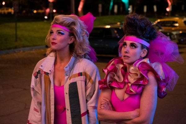 GLOW-season-3-first-look-images-1-600x400