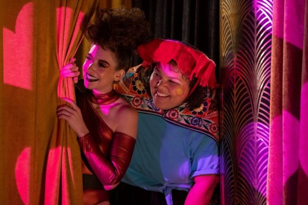 GLOW-season-3-first-look-images-5-600x400