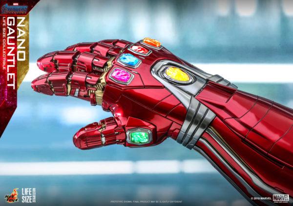 Hot-Toys-A4-Nano-Gauntlet-Life-Size-Collectible_PR6-600x422