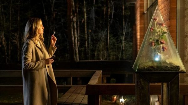 First image of Annabelle Wallis in sci-fi thriller Warning