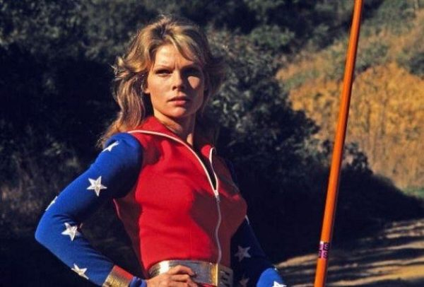 Cathy-Lee-Crosby-Wonder-Woman-600x406