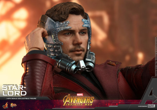 Hot-Toys-AIW-Star-lord-collectible-figure_PR14-600x422