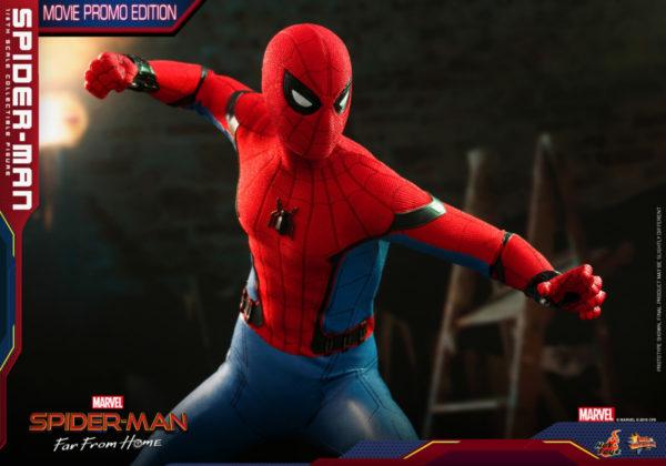 Hot-Toys-SMFFH-Spider-Man-Movie-Promo-Edition-collectible-figure_PR15-600x420