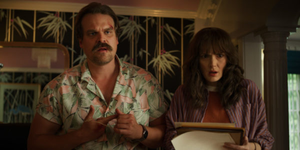 Stranger-Things-s3-images-6-600x300