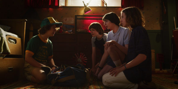 Stranger-Things-s3-images-7-600x300
