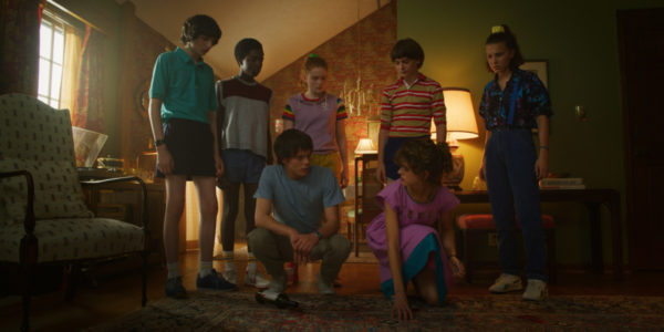 Stranger-Things-s3-images-8-600x300
