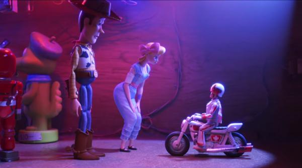 Toy-Story-4-_Duke-Caboom_-Clip-0-2-screenshot-600x335