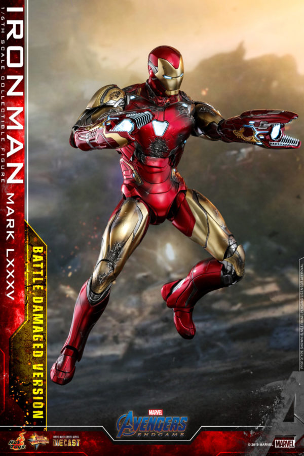 Hot-Toys-A4-Iron-Man-Mark-LXXXV-Battle-Damaged-collectible-figure_PR10-600x900