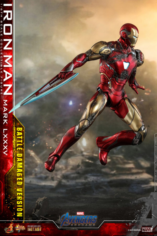 Hot-Toys-A4-Iron-Man-Mark-LXXXV-Battle-Damaged-collectible-figure_PR11-600x900