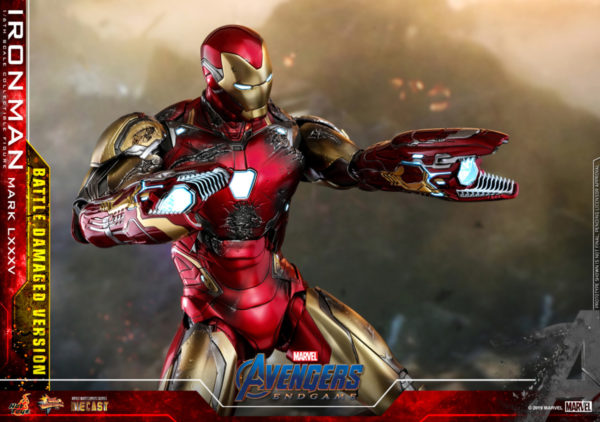 Hot-Toys-A4-Iron-Man-Mark-LXXXV-Battle-Damaged-collectible-figure_PR14-600x422