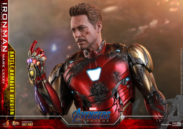 Hot-Toys-A4-Iron-Man-Mark-LXXXV-Battle-Damaged-collectible-figure_PR20-600x422