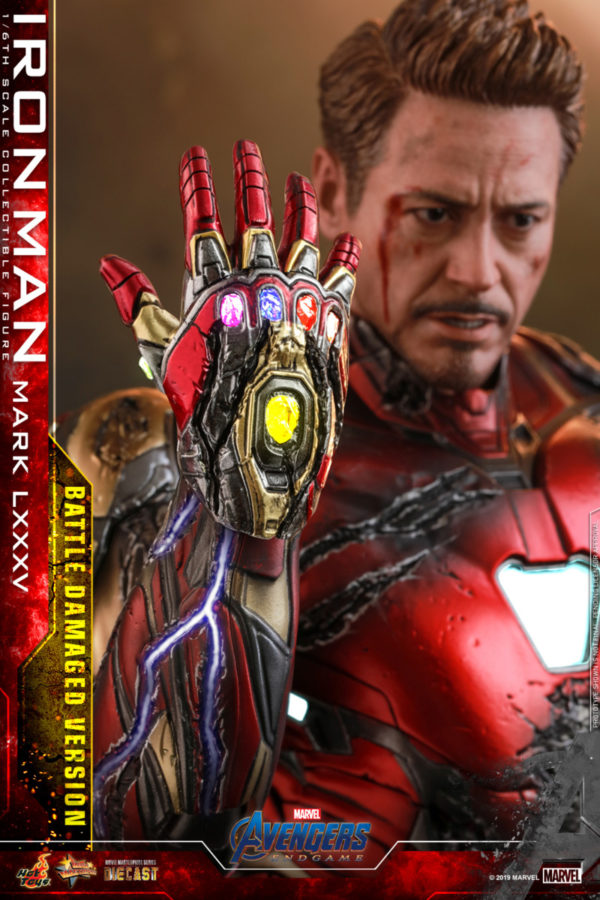 Hot-Toys-A4-Iron-Man-Mark-LXXXV-Battle-Damaged-collectible-figure_PR21-600x900