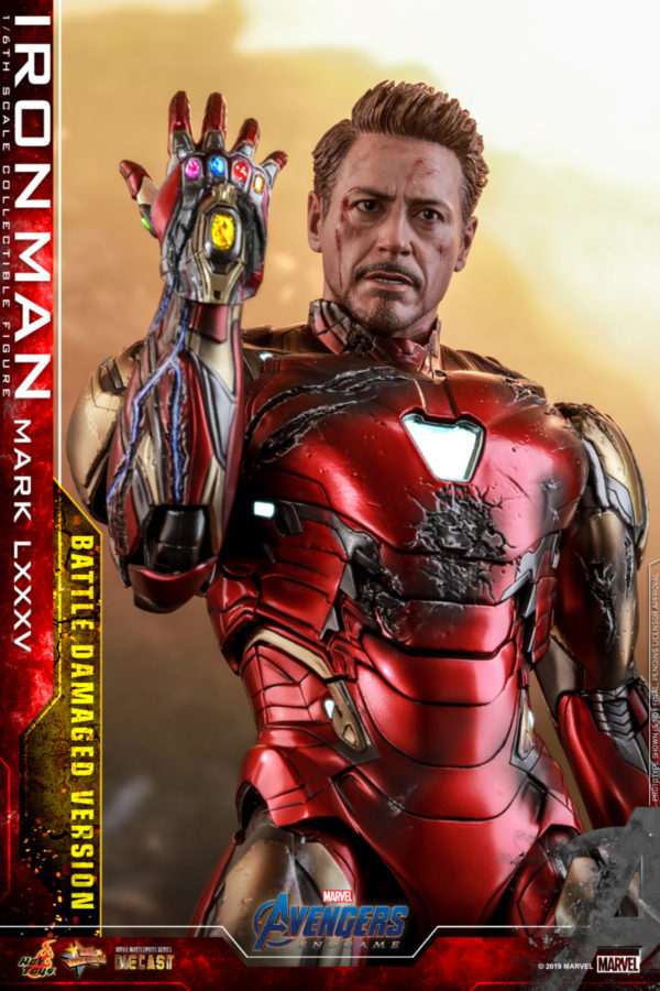 Hot-Toys-A4-Iron-Man-Mark-LXXXV-Battle-Damaged-collectible-figure_PR6-600x900