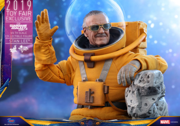 Hot-Toys-GOTG2-Stan-Lee-collectible-figure_PR10-600x420