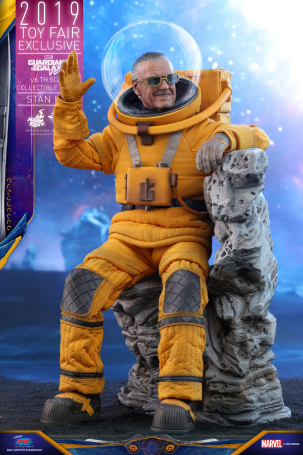 Hot-Toys-GOTG2-Stan-Lee-collectible-figure_PR5-600x900
