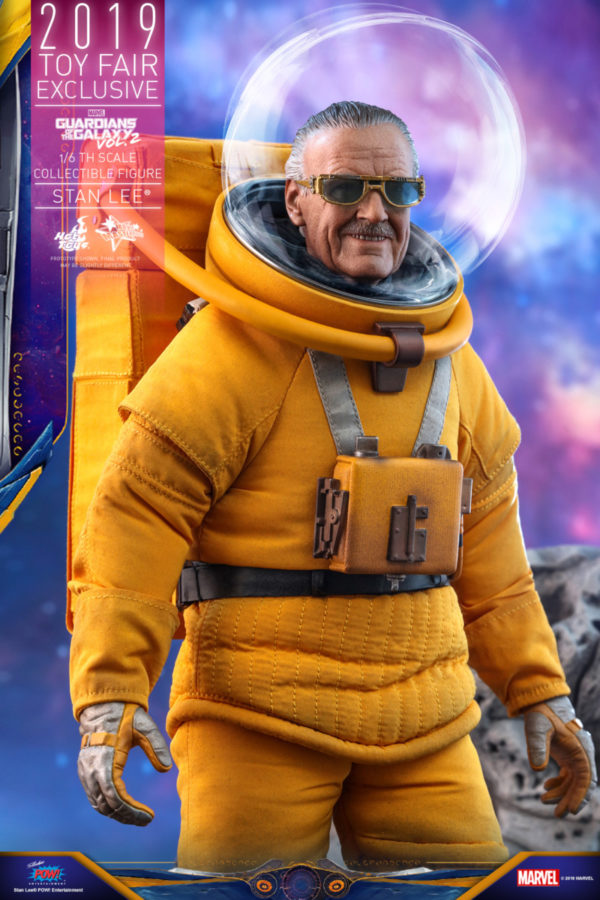 Hot-Toys-GOTG2-Stan-Lee-collectible-figure_PR8-600x900