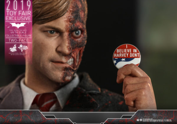 Hot-Toys-TDK-Two-Face-collectible-figure_PR10-600x420