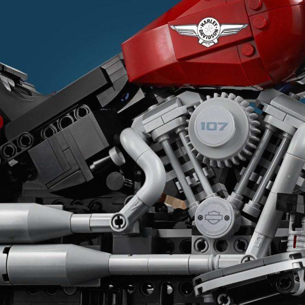 LEGO-Creator-Harley-Davidson-Fat-Boy-10277-600x600