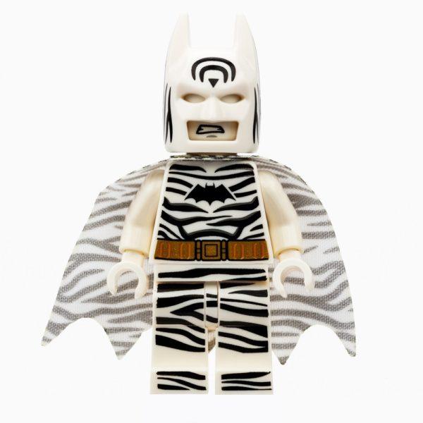 LEGO_SDCC_2019_Minifigs_1to1_Zebra_Batman-600x600