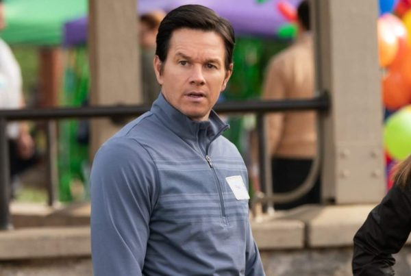 Mark-Wahlberg-Instant-Family-600x403