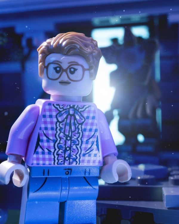 Stranger-Things-LEGO-Barb-SDCC-2019-minifigure-4-600x750