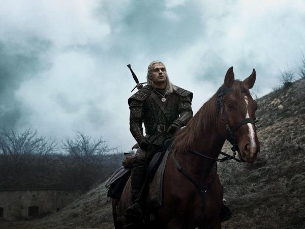 The-Witcher-Henry-Cavill-600x450