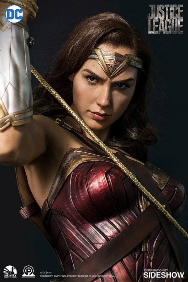 Ever Wonder Where That Iconic Bust Of >> Gal Gadot S Wonder Woman Gets An Incredible Life Size Collectible