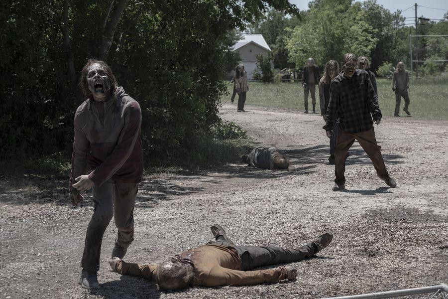 Promo images for Fear the Walking Dead Season 5 Episode 11
