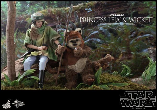 Hot-Toys-SW6-Princess-Leia-Wicket_PR8-600x420