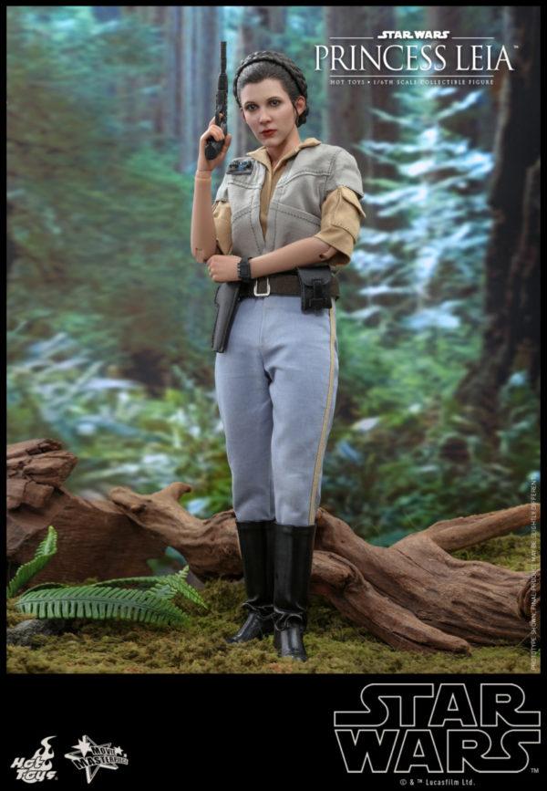 Hot-Toys-SW6-Princess-Leia_PR4-600x867