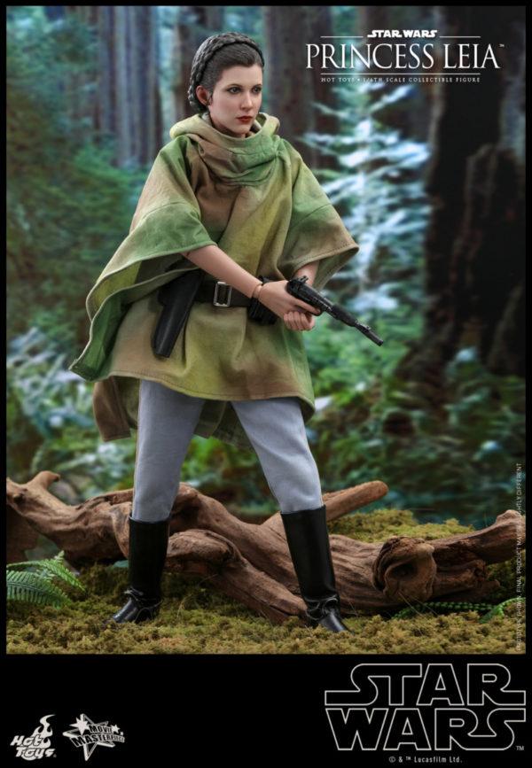 Hot-Toys-SW6-Princess-Leia_PR8-600x867