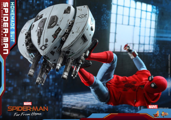 Hot-Toys-Spider-man-Far-From-Home-Spider-man-Homemade-Suit_PR10-600x420