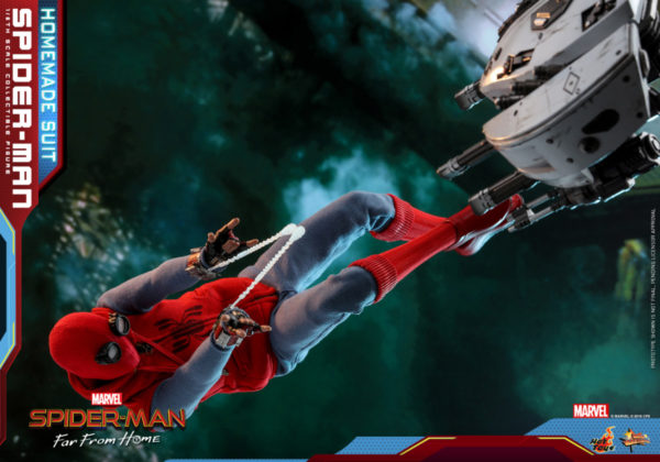 Hot-Toys-Spider-man-Far-From-Home-Spider-man-Homemade-Suit_PR12-600x420
