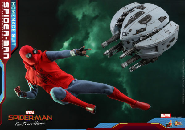 Hot-Toys-Spider-man-Far-From-Home-Spider-man-Homemade-Suit_PR15-600x420