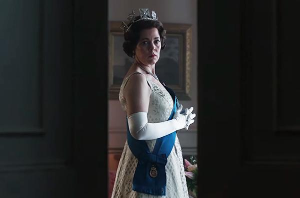 Olivia-Colman-as-Queen-Elizabeth-II-_-The-Crown-Season-3-Date-Announcement-0-11-screenshot-1-600x397