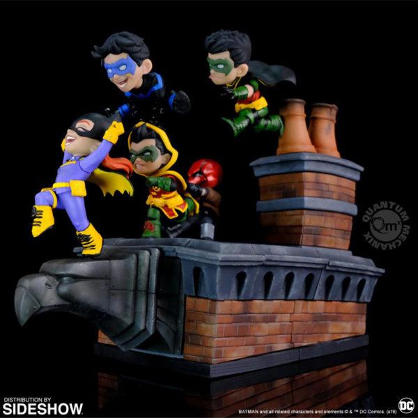 batman-family-knight-out-q-master_dc-comics_gallery_5d489a3ec512c-600x600
