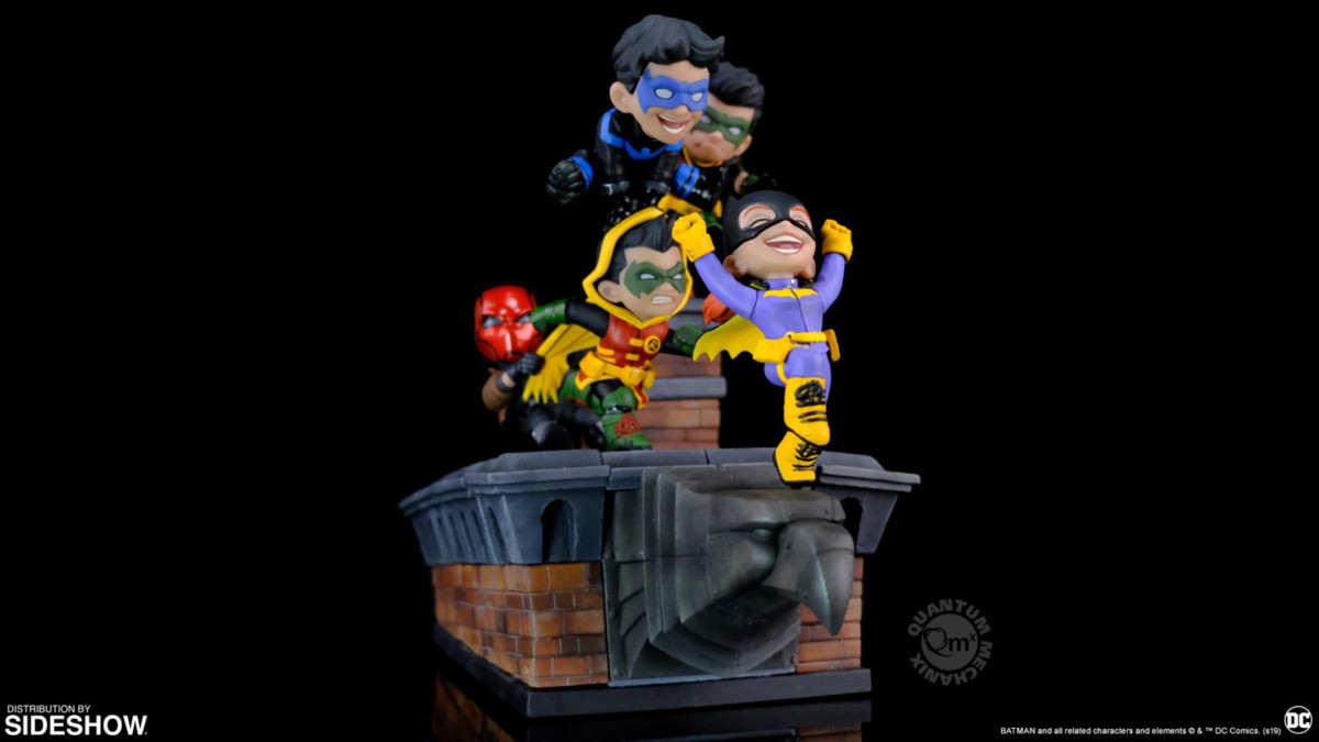 The Batman Family enjoys a Knight Out with new Q-Master collectible diorama