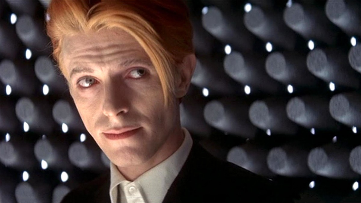 The Man Who Fell to Earth TV series in development at CBS All Access