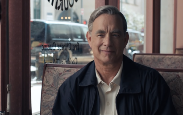 A-BEAUTIFUL-DAY-IN-THE-NEIGHBORHOOD-Official-Trailer-HD-1-30-screenshot-tom-hanks-600x377