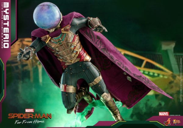 Hot-Toys-Spider-man-Far-From-Home-Mysterio_PR3-600x420
