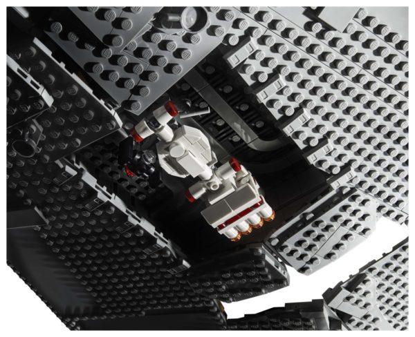 LEGO-Star-Wars-UCS-Imperial-Star-Destroyer-75260-600x488