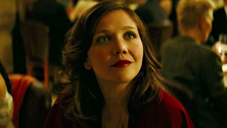 "Maggie Gyllenhaal ""really likes"" Robert Pattinson for The Batman role"