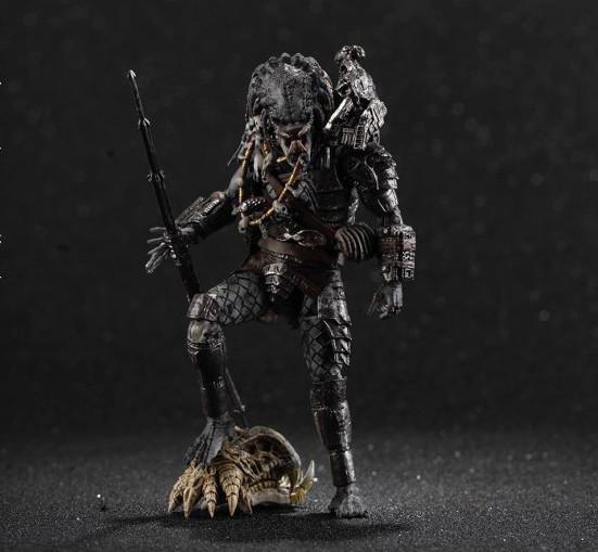 Predator-2-Elder-Predator-action-figure-1-1