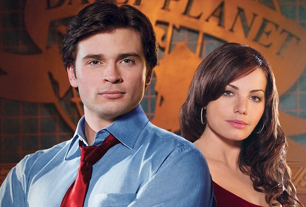 Smallville's Erica Durance and Tom Welling reunite in Crisis on Infinite Earths photo