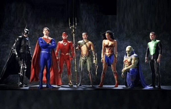 justice-league-mortal-600x384