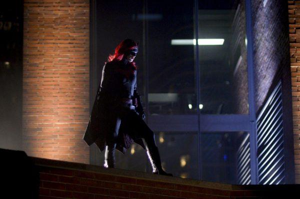 Batwoman-104-7-600x399