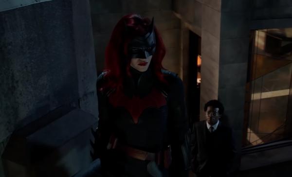 Batwoman-_-Exclusive-Look-_-The-CW-0-10-screenshot-600x364